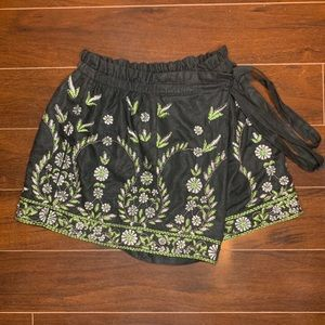 Free People Embellished Embroidered Skort 💚